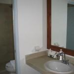 la-mirage-5-guest bath 2
