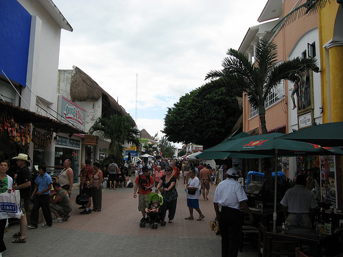 Casual clothing is the norm in Playa del Carmen