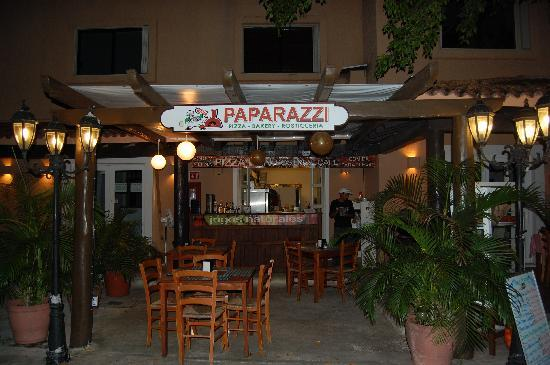 Eating Out In Puerto Aventuras - Suggestions for a nice family restaurant in Puerto Aventuras, Mexico